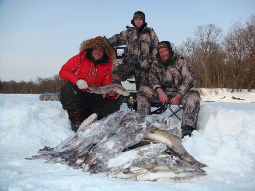 подледная рыбалка на реке иркут